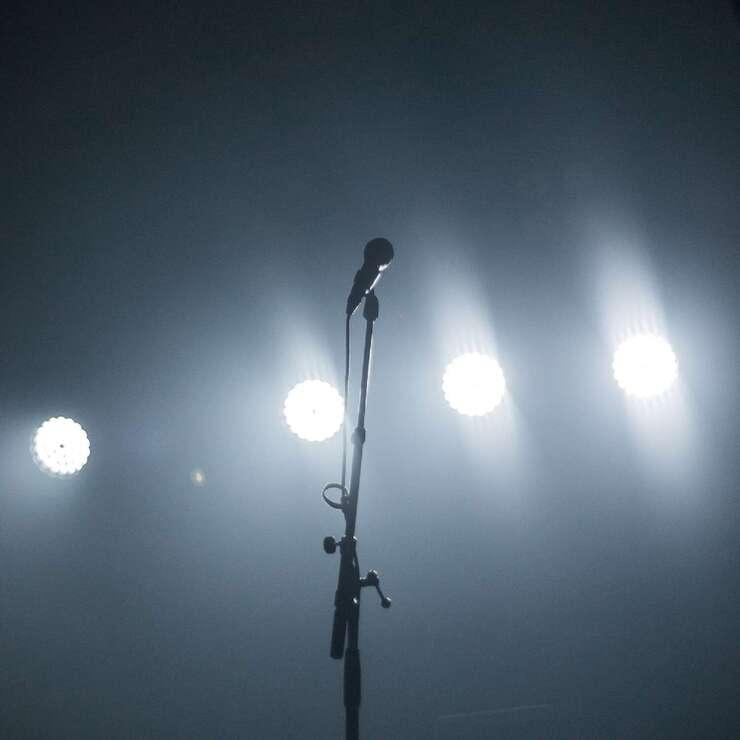 Bye-bye Lampenfieber: Wie du die Angst vor Publikum in den Griff bekommst.
